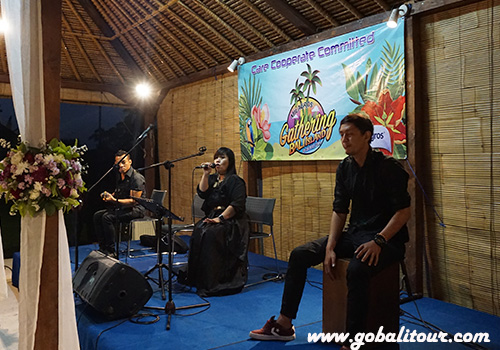 Acoustic Band